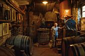 Romano Levi, Grappa Wirt, Destillerie, Néive Langh, Italien