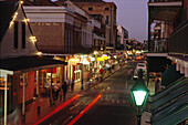 Bourbon Street, French Quarter, New Orleans, abends USA