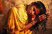 Girl-Shampooing, Rajasthan India