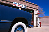 Vintage car at a filling station, Williams, Route 66, Arizona USA, America