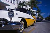 Vintage car, Ocean Drive, Miami Beach, Miami, Florida, USA