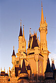 Cinderella's Castle in the evening sunlight, Magic Kingdom, Disneyworld, Orlando, Florida, USA, America