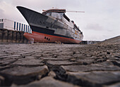 Queen Mary 2, Dry-dock-Shipyard in Saint-Nazaire