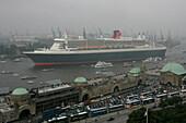 Queen Mary 2, Landungsbruecken, St. Pauli, Hamburg Germany