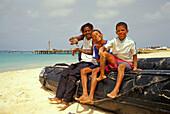 Native men making music, Beach of Santa Maria, Sal, Cape Verde Islands, Africa