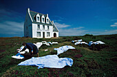 Laundry drying in front of the Hotel de l'Iroise in the sunlight, Pointe de l'Iroise-Pointe du Raz, Brittany, France, Europe
