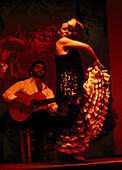 A woman dancing Flamenco, Los Gallos, Barrio Santa Cruz, Sevilla, Andalusia, Spain, Europe