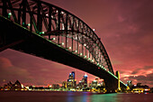 The illuminated Harbour Bridge in the afterglow, Sidney, New South Wales, Australia