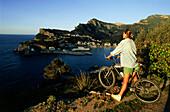 MTB, Blick über Bucht Bahia de, Söller, auf Puerto Söller Mallorca, Balearen, Spanien