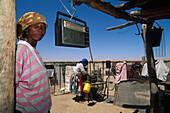 Topnaar women at their shack, hut, Kuiseb River near Walvis Bay, Namibia, Africa