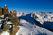 Skifahrer am Gaislachkogl 3058m, , Blick ins Venter Tal rechts, Oetztaler Alpen, Tirol, Oesterreich