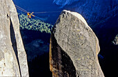 Tyrolean Traverse, Big Wall Klettern, Lost Arrow Spire, Yosemite Valley, California, USA
