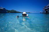 Happy Tourist, Blue Lagoon Cruise Nanuya Lailai Island