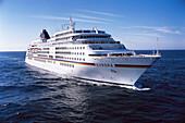 Kreuzfahrtschiff MS Europa, Reisen