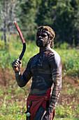 Wally Brim, Aborigine mit Bumerang, Tanztheater Tjapukai, in der nähe von Cairns, Queensland, Australien