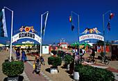 People on their way to the beach, Rimini, Adriatic Coast, Italy, Europe