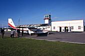 Propellerflugzeug, Scilly Skybus, Cornwall Grossbritannien