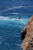 Quebrada Springer, man jumping off a cliff, Acapulco, Guerrero, Mexico, America