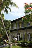 Visitors at Ernest Hemingways Home and Museum, Key West, Florida Keys, Florida, USA
