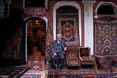 Sisko Osman, Teppichhaendler, Grosser Bazar Istanbul, Tuerkei