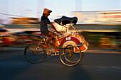 Rikschafahrer, Yogyakarta Java, Indonesien