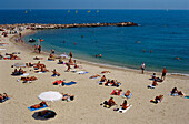 People on the beach in the sunlight, Antibes, Cote d´Azur, Alpes Maritimes, Provence, France, Europe