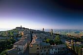 Blick über Montalcino, Montalcino, Toscana, Italien
