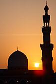 Mosque and minaret at sunset, Dubai, UAE, United Arab Emirates, Middle East, Asia