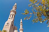 Minaret of a mosque in the sunlight, Jumeirah, Dubai, UAE, United Arab Emirates, Middle East, Asia