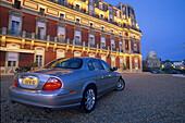 Jaguar S-Type 1999 , Hotel du Palais, Biarritz Frankreich