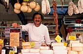Spezialitaetenverkaeufer, Wochenmarkt, Intra, Lago Maggiore Piemont, Italien