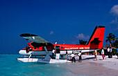 Wasserflugzeug am Strand, Water air taxi near the, Water air taxi near the beach