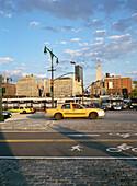 Yellow cab, Manhattan, New York, City, USA