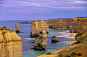 Twelve Apostels, Limestone cliffs, Port Campbell National Park, Great Ocean Road, Victoria, Australia