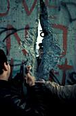Breaking the Berlin Wall, Berlin Wall,  10.11.1989, Berlin,  Germany
