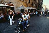 Motorroller-Fahrer, Rom, Latium Italien