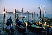 Gondeln, Venedig, Venetien Italien