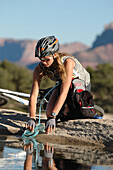 Mountainbikerin, Gooseberry Trail, Zion Nationalpark, Springdale, Utah, USA