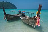 Longtailboote, Loh Dalum Bucht Ko Phi Phi Don, Thailand