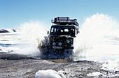 Auto im Schnee, Del Tatio Chile
