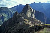 Ruins of an inca site in the mountains, Machupicchu, Peru, South America, America