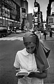 Nun on Times Square, Nun, Times Square, Midtown, Manhattan, New York, USA