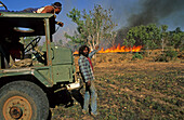 Aboriginal stockmen, Gibb River Station, Kimberle, Australien, West Australien, WA, Outback, North-West, Kimberley, Aboriginal stockmen, bushfire, on Gibb River Station