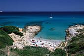 Strand und Küstenlandschaft bei Plage de l´Escale, Cote d´Azur, Mittelmeer, Provence, Frankreich
