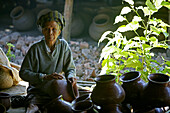 Teracotta pots, water pots, Toepferei Werkstatt, small family pottery business, hard manual labour, water vessels, Wasserkrug, Tonkrug