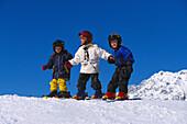 Kinder beim Skifahren, Wintersport