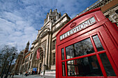 Victoria and Albert Museum with Telephone box, South-Kensington-Museum, South Kensington, London, United Kingdom