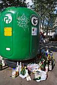 Party-Leftovers, at Mont Martre Paris, France