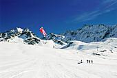 Kiteboarding in snow, Lermoos, Lechtaler Alpen, Tyrol, Austria