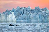Gletscher, typische Landschaft, Mitternachtssonne, Ilulissatm, Grönland